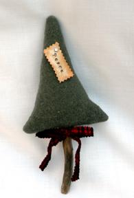 Peace pine ornie